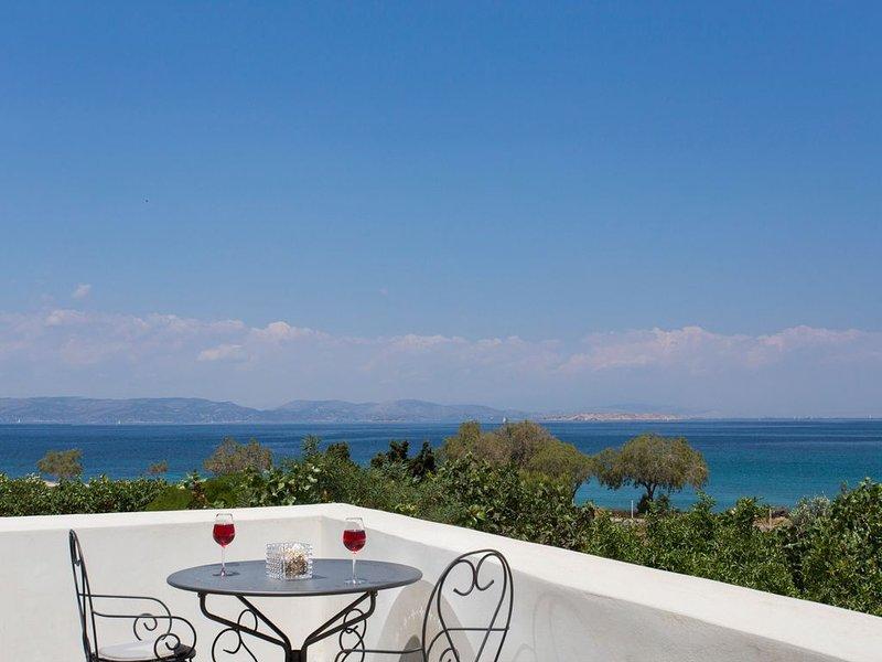 Seaside Luxury Villa with Terrace in Aegina Island | Villa Aneli, holiday rental in Aegina Town