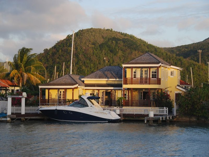 Luxury detached 3 bedroom marina villa - Jolly Harbour (South side) - villa 214a, holiday rental in Jolly Harbour