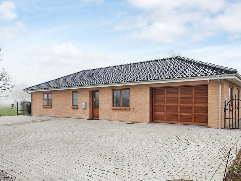 Modern Holiday Home in Harpelunde Lolland With Whirlpool, location de vacances à South Zealand