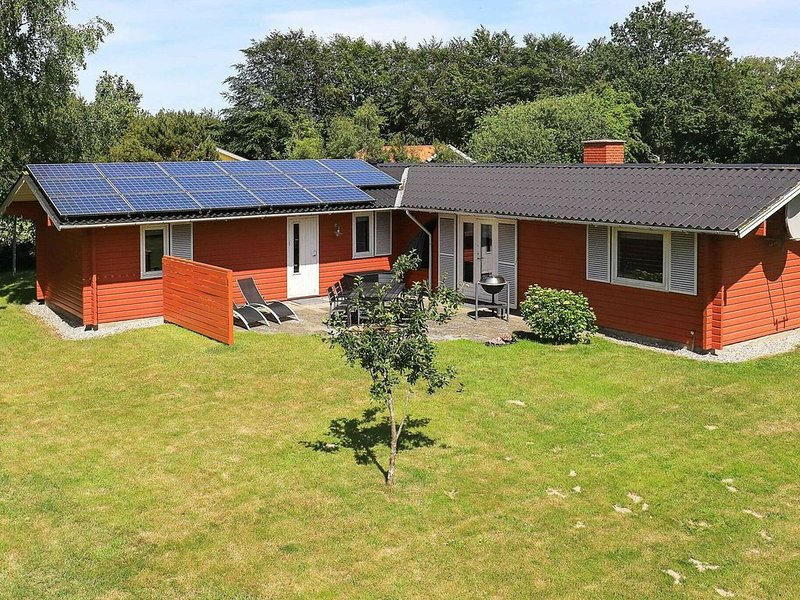 Modern Holiday Home in Humble with Sauna, vacation rental in Funen and Islands