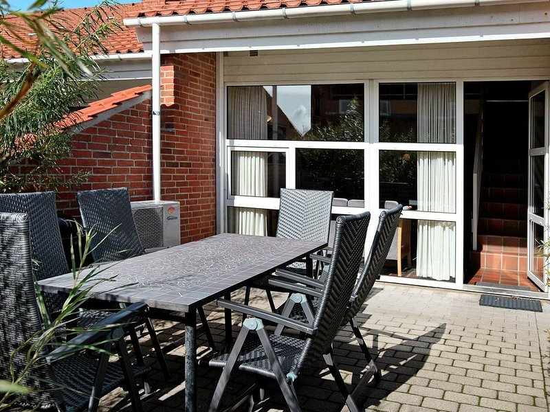 Simplistic holiday home in Blåvand with Garage – semesterbostad i Blaavand