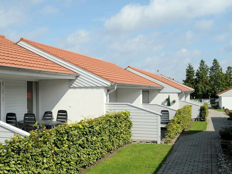 Cozy Holiday Home in AEroskobing Denmark with Terrace, vacation rental in Funen and Islands