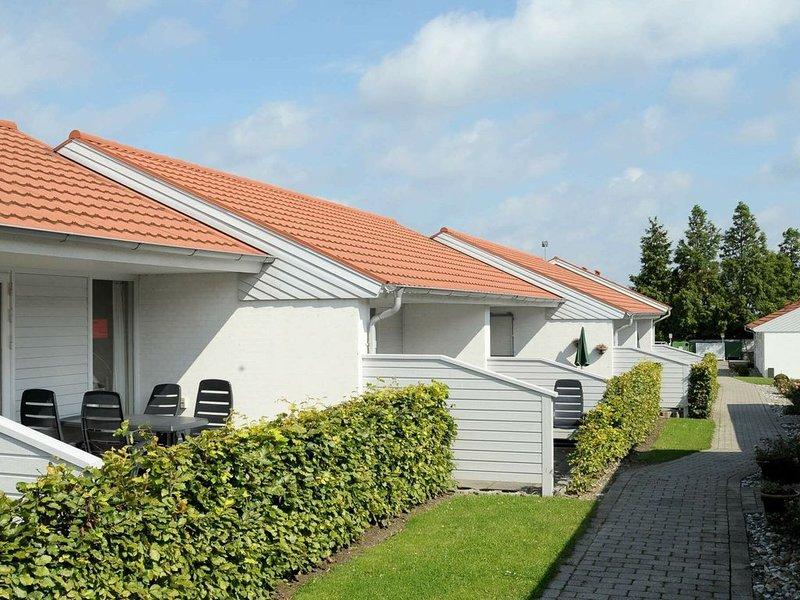 Cozy Holiday Home in AEroskobing Denmark with Terrace, Ferienwohnung in Marstal