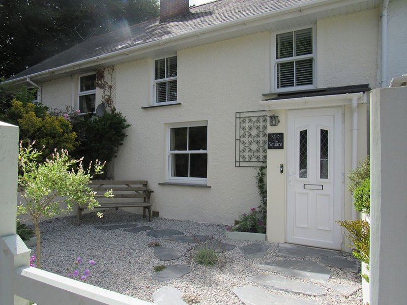 Beautiful 19th Century 3 Bed cottage in the heart of St Teath village, vacation rental in Bodmin