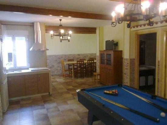Casa rural Las Callejuelas para 2 personas y zona de juegos, vacation rental in Chillaron de Cuenca