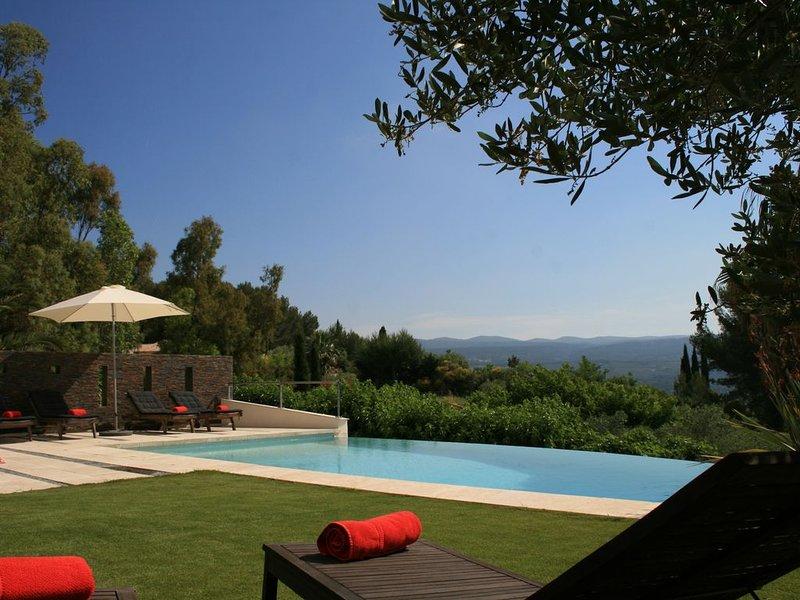 villa architecte au Castellet proche circuit, mer et bandol, au calme, vacation rental in Le Castellet