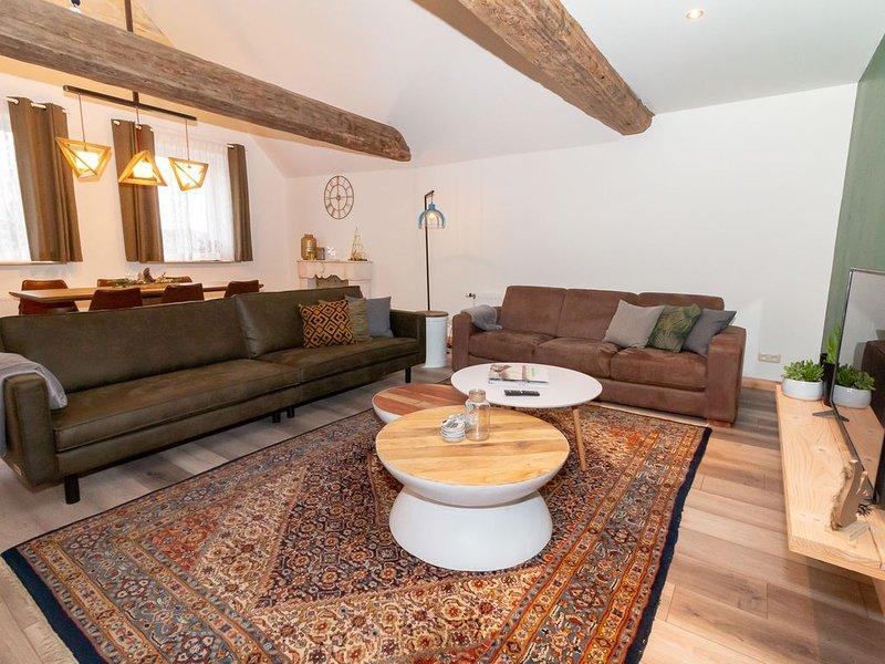 Enticing Apartment in Schin op Geul with Terrace, vakantiewoning in Valkenburg