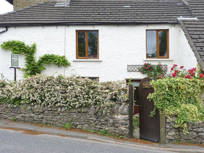 4 Greencross Cottages, BURTON-IN-KENDAL, holiday rental in Holme