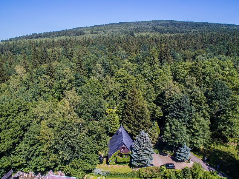 Hanna House - a forest oasis of peace and relaxation, vacation rental in Przecznica