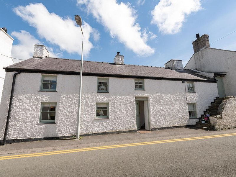 The Eagles, a beautiful 3 bed character cottage in Aberffraw, location de vacances à Aberffraw