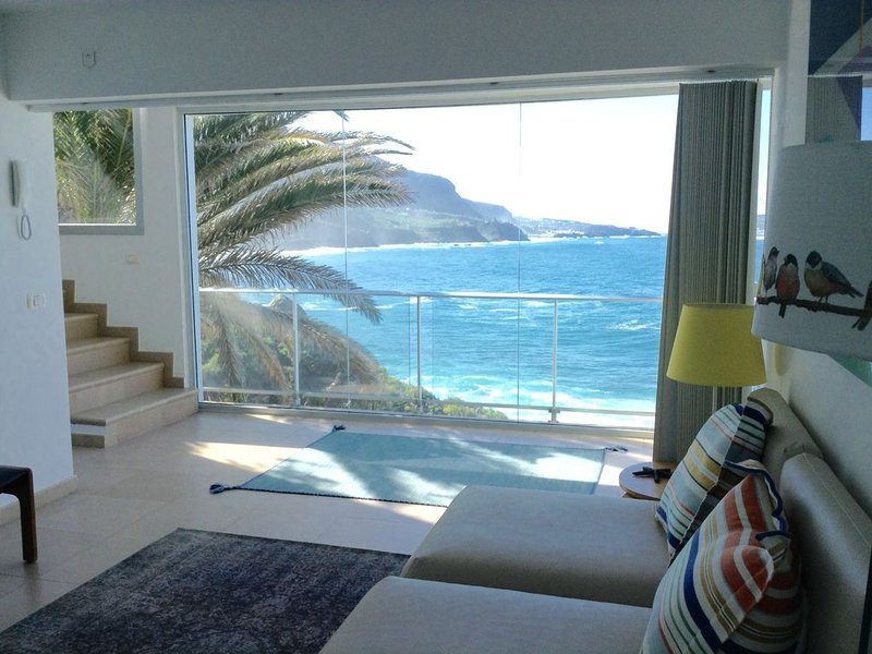 Superior Villa in NATURE in front of the sea with JACUZZI, POOL and SAUNA, aluguéis de temporada em Los Realejos