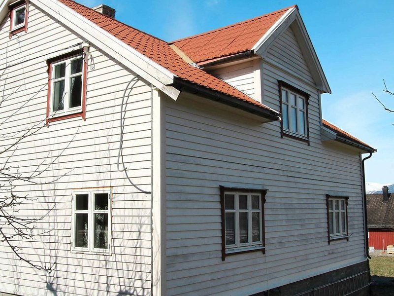 7 person holiday home in Fresvik, vacation rental in Sogndal Municipality