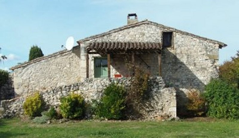 One of two dog friendly Gites we have in a tiny commune very close to Eymet, holiday rental in Saint-Aubin-de-Cadelech
