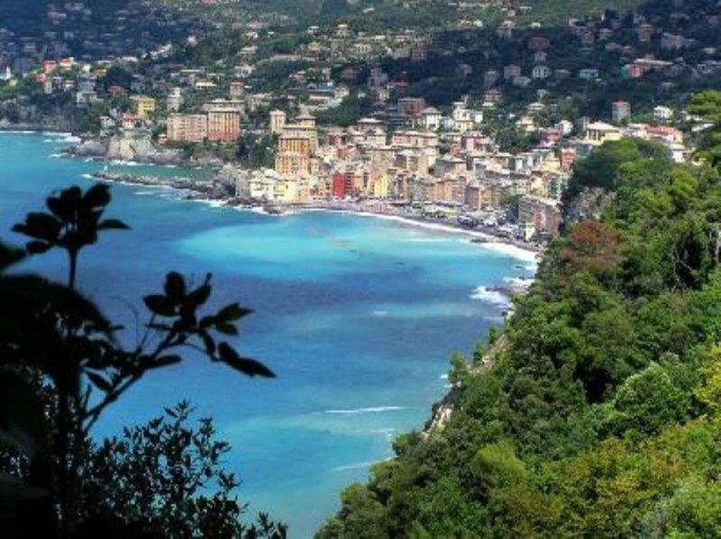 Solo 200 m dalle spiagge: apartamento 5 posti letto,, vacation rental in Portofino