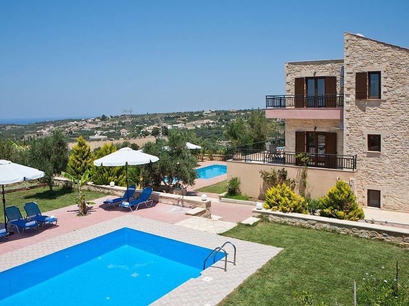 Louloudaki Villas. A villa complex in Cretan nature!, holiday rental in Loutra