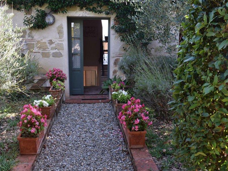 STUNNING VIEW  ' IL PASTORE ' / Chianti - SIENA - San Gimignano - FIRENZE, location de vacances à Lecchi in Chianti