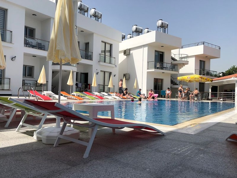 New 3 bedroom  holiday apartment in the centre of Ozankoy ,local attractions, location de vacances à Bellapais