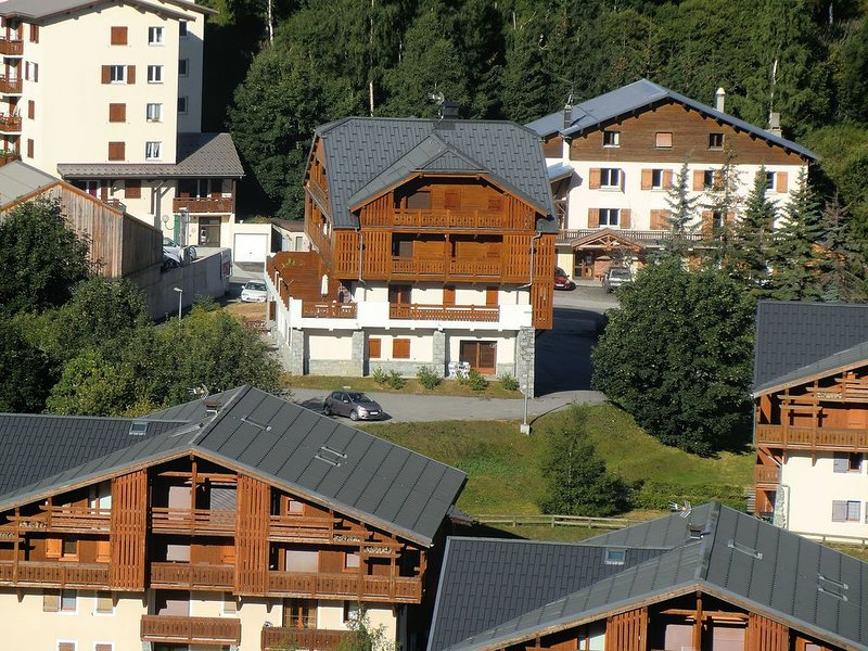 Modern Ground Floor Apartment in Great Location- Perfect for Families or Couples, alquiler vacacional en Mont-de-Lans