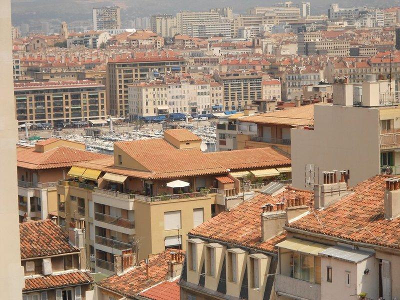 Appartement centre Marseille, proche vieux port. 4 personnes, parking, holiday rental in Bouches-du-Rhone