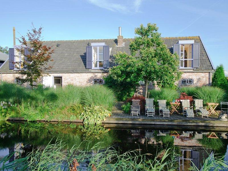 Compleet gemeubileerd ruim appartement 125 m2 in de polder aan het water – semesterbostad i Aarlanderveen