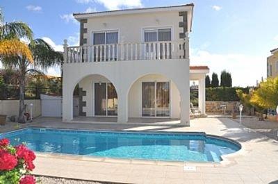Villa With Private Pool And Sea View, alquiler vacacional en Lara