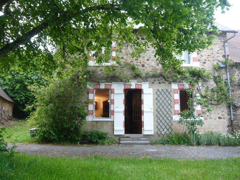 Maison indépendante avec jardin - Classée meublé de tourisme 3 étoiles., vacation rental in Chateau-Chervix