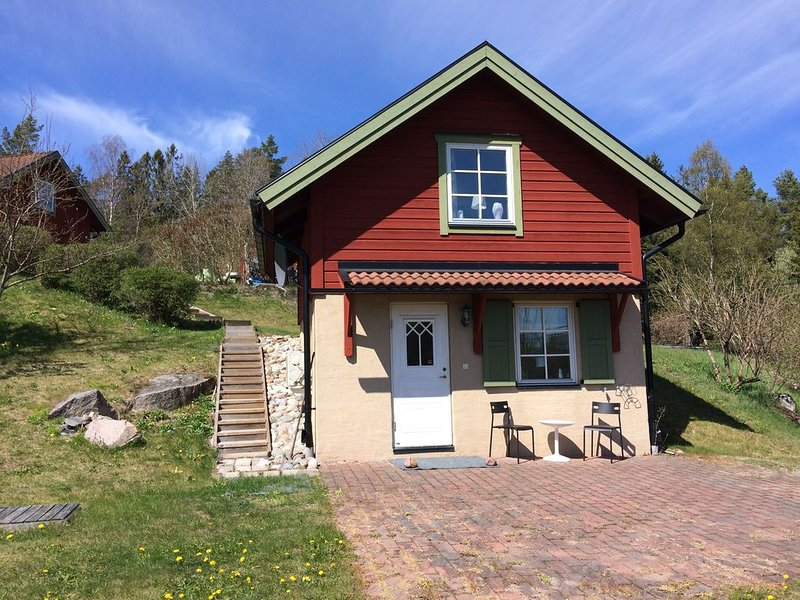 Escape to the countryside - close to Stockholm & two golfcourses – semesterbostad i Åkersberga
