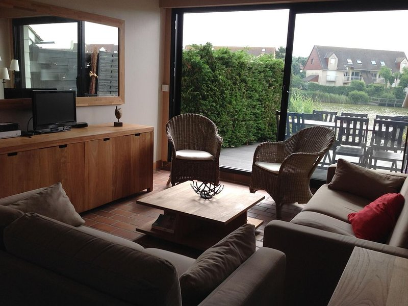 Petite maison avec terrasse et jardin, vacation rental in Stella-Plage