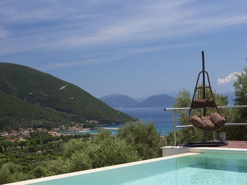 Horizon Villas 'Nefeli' really amazing sea view 900 meters from the beach, holiday rental in Vasiliki