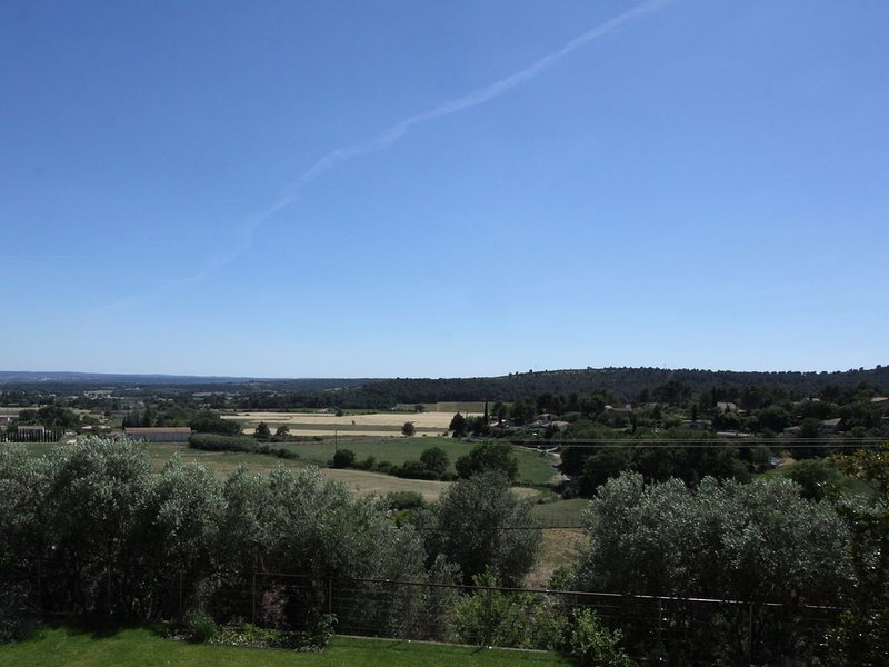 Very limited availablity in 2020  -  from 15th to 29th August only., holiday rental in Eguilles