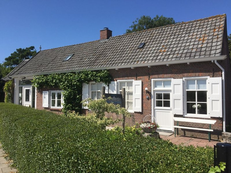 Comfortabel 4 persoons Guesthouse, holiday rental in Vrouwenpolder