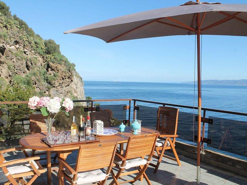 Appartamento in villa signorile, holiday rental in Torregrotta