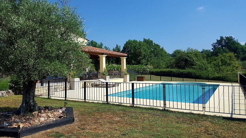 Villa Bellevue is the quite and relaxing poolvilla for your holiday, holiday rental in Seillans