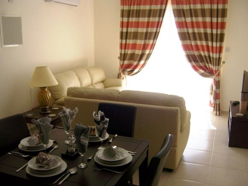 Nissi Elena A15 Top floor apartment with seaviews and large balcony...., holiday rental in Famagusta District