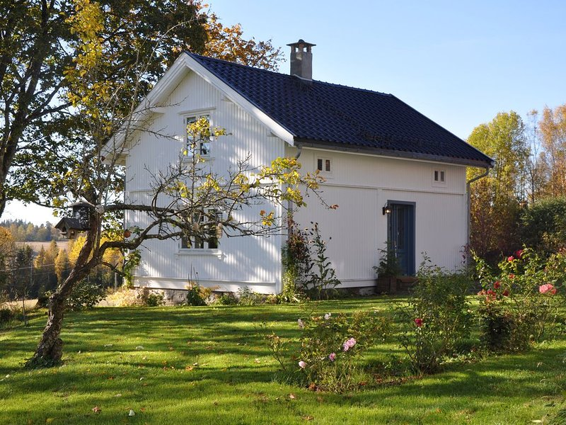 Country Cottage just 45 minutes from Norway's capital city, holiday rental in As