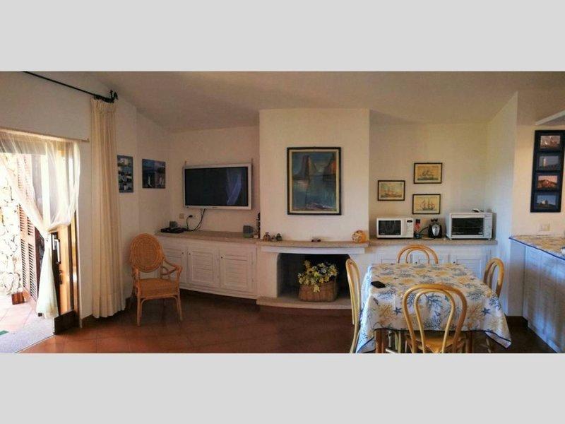 Villino Federico - Uno splendido resort immerso nel verde di Cala Capra, casa vacanza a Le Saline