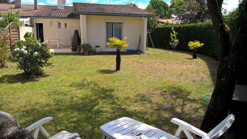 Maison à Le Teich Bassin d'Arcachon 100 m2 Jard clos 400m2. 3 ch.5 pers, aluguéis de temporada em Le Teich