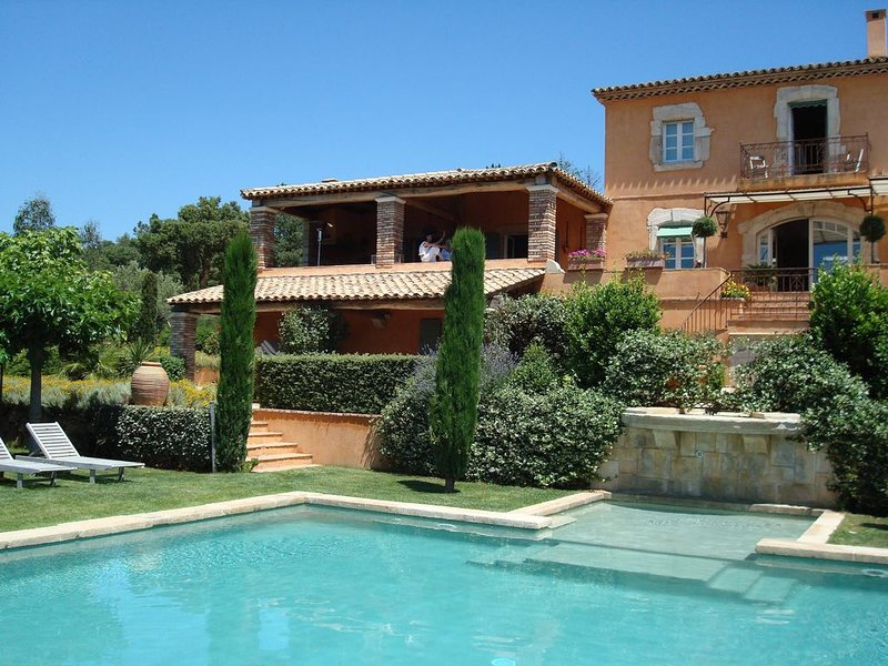 Fabulous Luxury Villa,  Sleeps 12 adults., holiday rental in Plan de la Tour