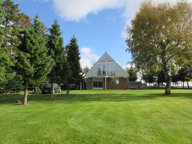 Beautiful holiday home located in attractive surrounding, close to the Limfjord, Ferienwohnung in Vile