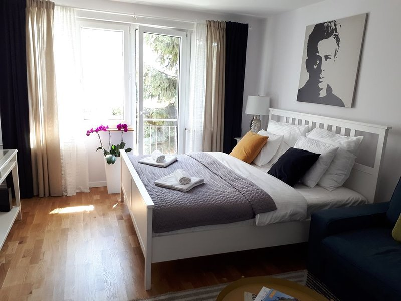 Modern refurbished apartment in heart of Old Town, vacation rental in Wroclaw