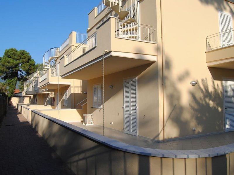 Carrara side facade