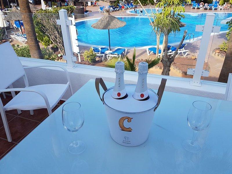 Private detached villa within a premier holiday complex., location de vacances à Golf del Sur