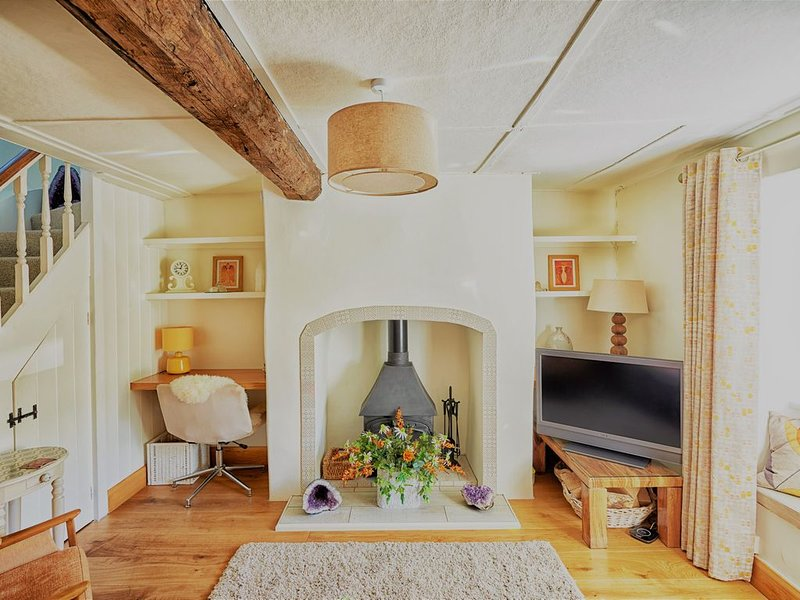 Annies Cottage:  Beautiful red stone cottage in the heart of Somerset, alquiler de vacaciones en Taunton