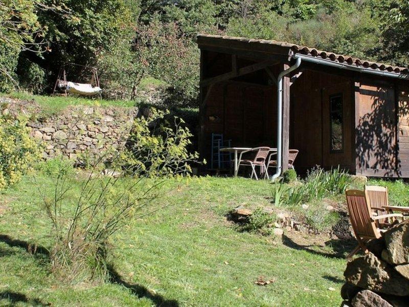 Gran Cabaña localizada entre dos montañas, aluguéis de temporada em Ceilhes-et-Rocozels