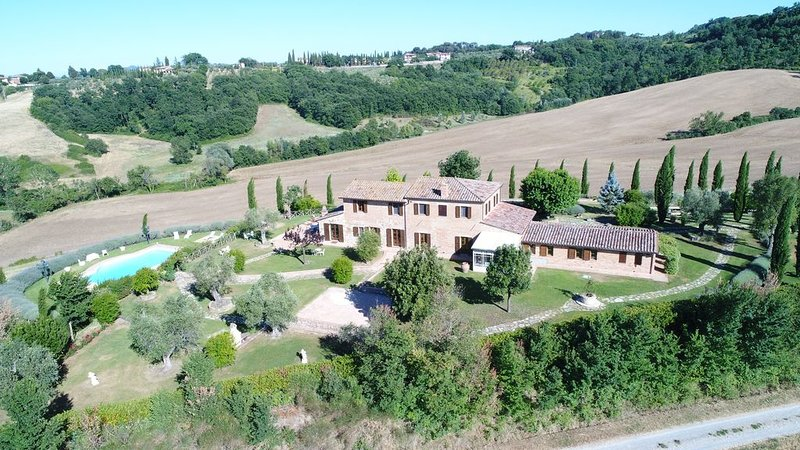 Casale Rosino - Tuscany Country House with private pool, holiday rental in Chiusi