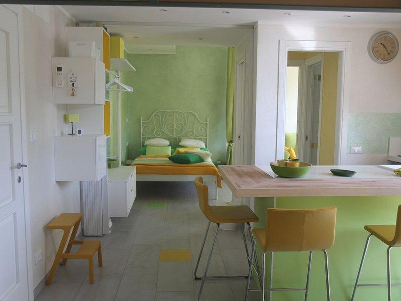VerdeLimone: colore e charme !! (011019-LT-0311), vacation rental in Monterosso al Mare