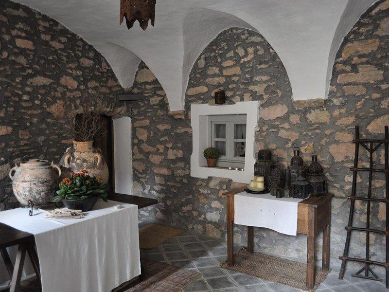 La casa sotto il castello nel borgo antico, holiday rental in Erli