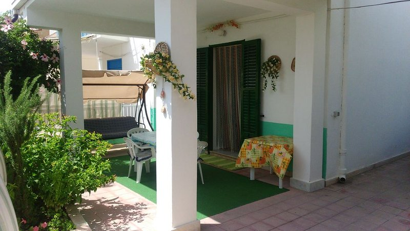 Villetta accogliente in posizione turistico/balneare a pochi  km da Agrigento., holiday rental in Siculiana