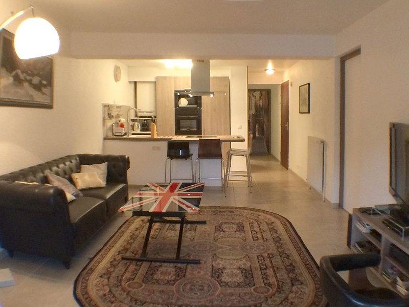 Appartement dans ferme rénovée., holiday rental in Annecy-le-Vieux