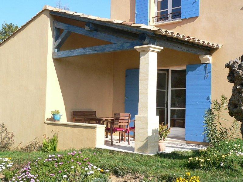 Appartement avec terrasse (rez-de-jardin d'un mas provençal) à Ramatuelle, location de vacances à Ramatuelle